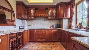 طريقة تنظيف المطبخ الخشبي
